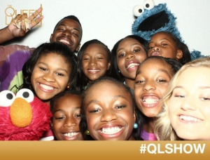 Cookie Monster & Elmo join in the Queen Latifah camera fun!